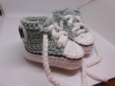 Scarpine sportive , sneachers in cotone verde chiaro e bianco,  idea regalo.