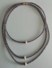 Collana stile Stardust 3 fili sottili grigi con strass