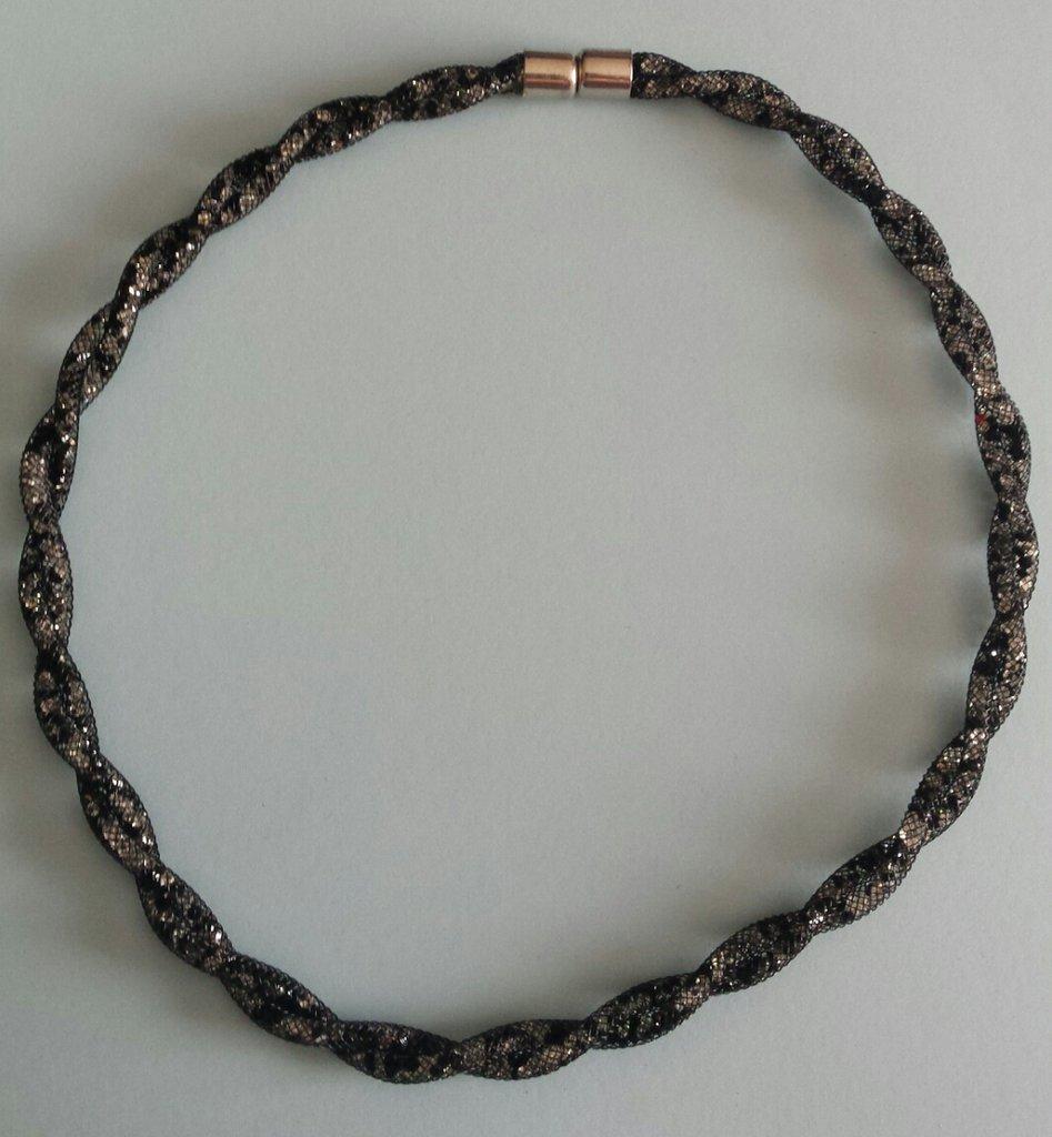 Collana torchon rete tubolare stile Stardust nero/bianco