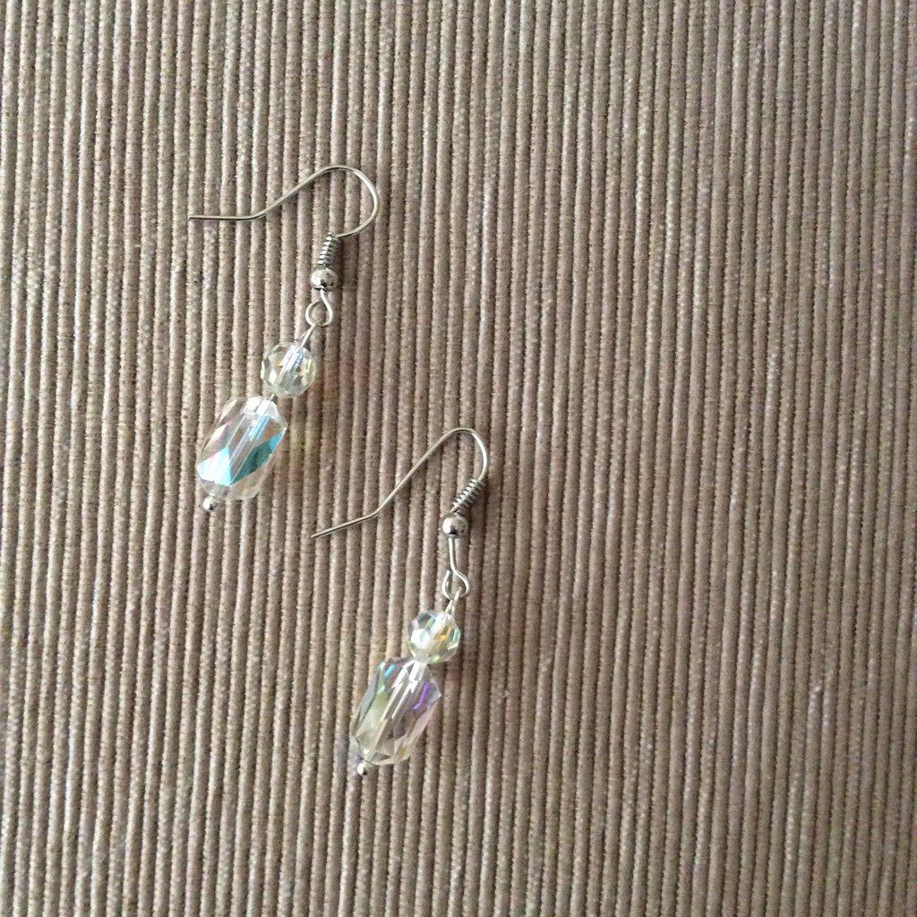 Un paio di orecchini cristallo murano