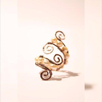 anello regolabile, rame ossidato, perla d'acqua dolce