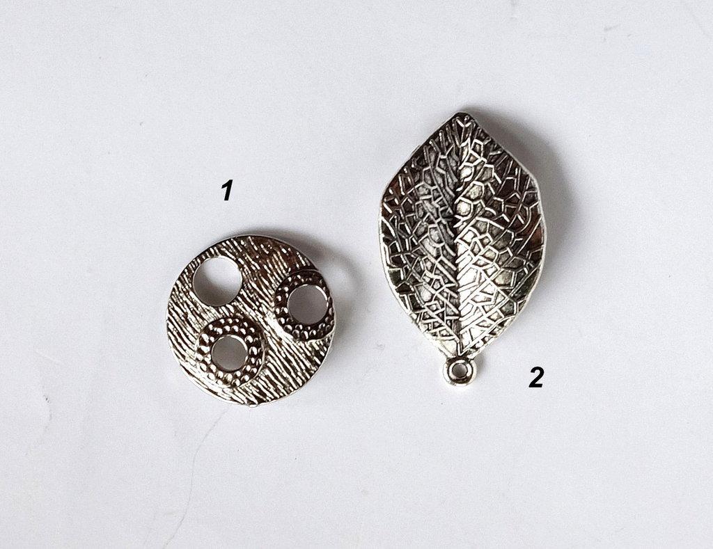 2 Pendenti in argento tibetano  CIO93-98