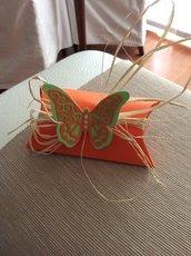 Scatolina con farfalla di campagna