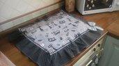 Copri fornelli con gattini in nero e grigio