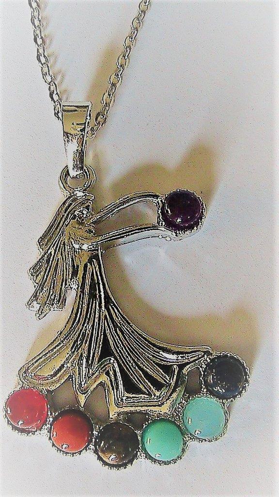 Collana con ciondolo dea fortuna con vere pietre dure naturali dei 7 chakra