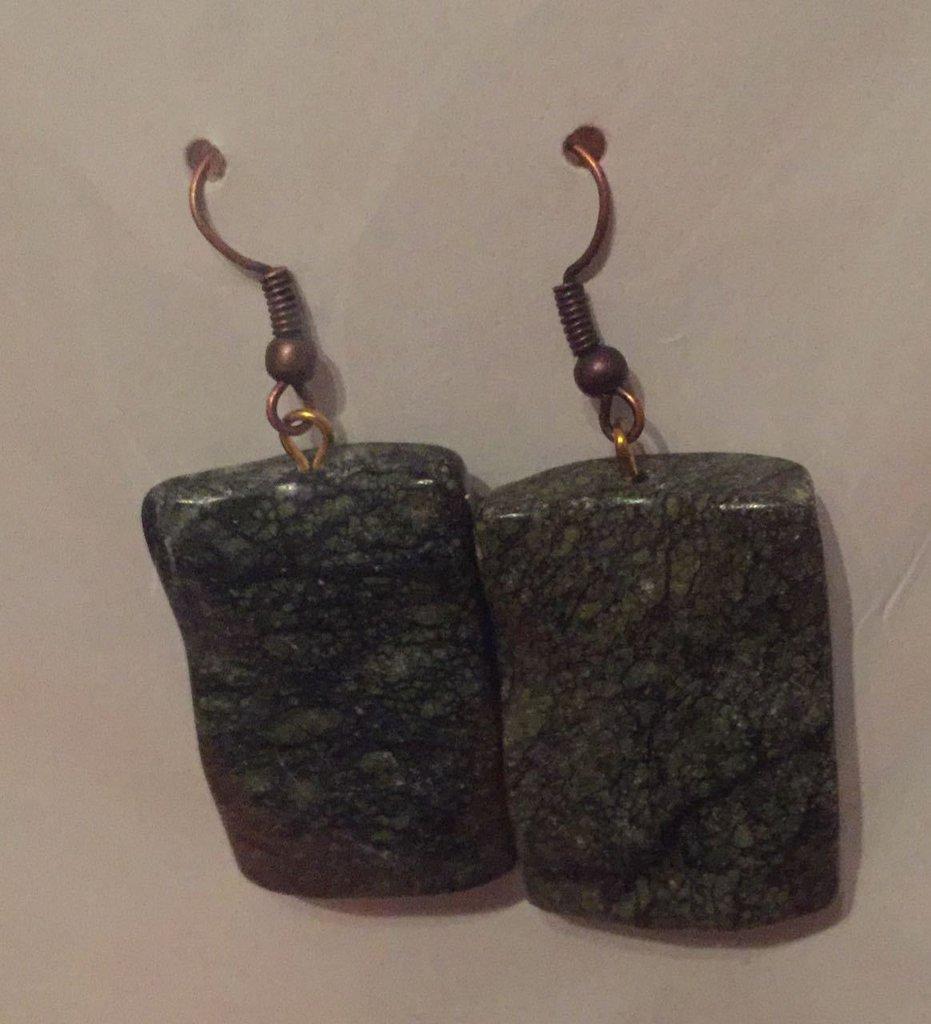 Orecchini in pietra