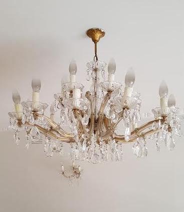 Tazza o bobeche , ricambio in vetro soffiato di Murano per lampadari con pezzi rotti o danneggiati