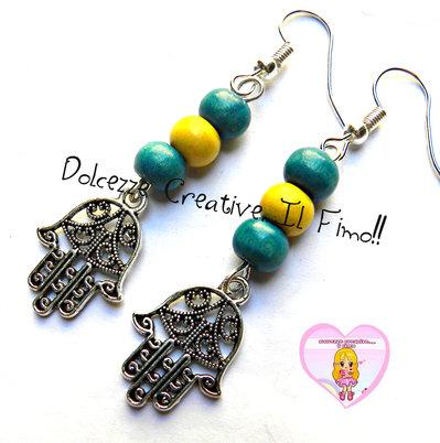 Orecchini Mano di Fatima Con perle Azzurre e gialle - handmade