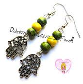 Orecchini Mano di Fatima Con perle Verdi e gialle- handmade