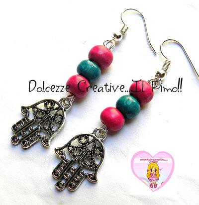 Orecchini Mano di Fatima Con perle Azzurre e rosa - handmade
