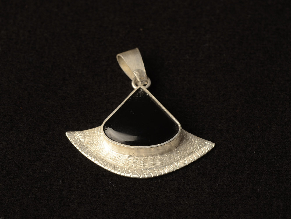 Ciondolo Onice Nero in Argento