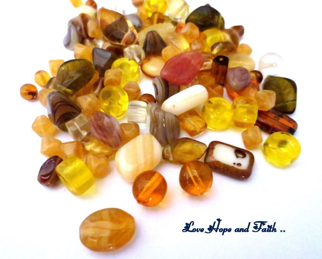 """LOTTO 50 gr perle in vetro di Bohemia """"Ambra"""" (cod.PRECIOSA)"""