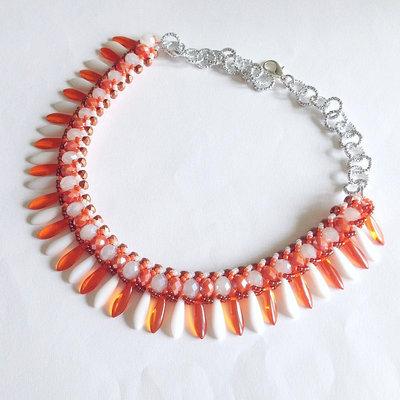 Collier Glam arancione e bianco