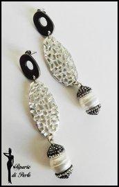 Orecchini con perle di fiume e strass