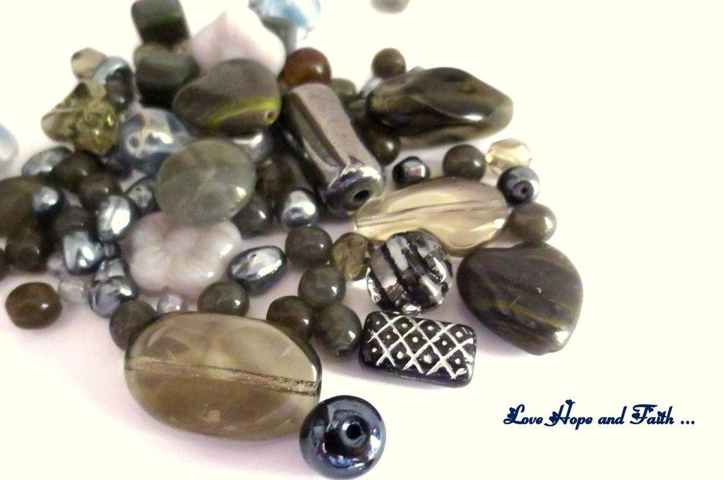 """LOTTO 50 gr perle in vetro di Bohemia """"Metallic Grey"""" (cod.PRECIOSA)"""