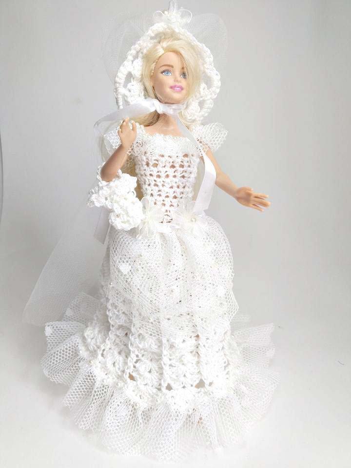 Abito vestito da sposa barbie realizzato all'uncinetto bianco tulle collezione con cappello e borsa bambola