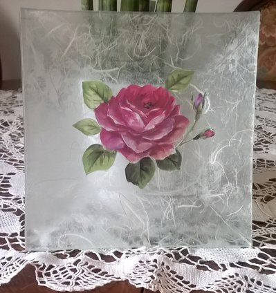 PIATTO IN VETRO DECORATO CON METODO DECOUPAGE