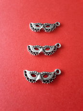 3 charms ciondoli 'Mascherine veneziane' argento tibetano