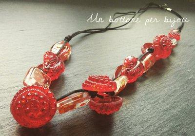 Collana con bottoni d'epoca di vetro,rosso rubino