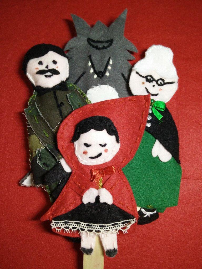 pannolenci  burattini con bastoncino: cappuccetto Rosso, lupo , Nonna, cacciatore