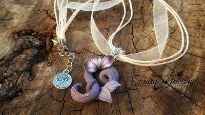Collana sigillo elfico viola fiore fimo pasta polimerica ciondolo pendente fatto a mano