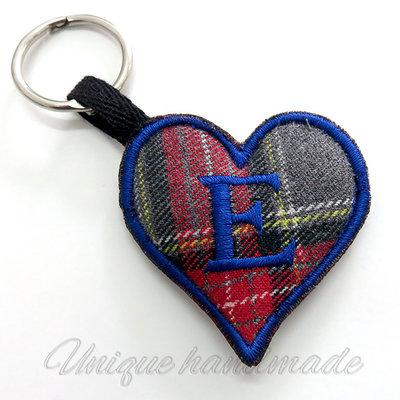 Portachiavi cuore scozzese con iniziale