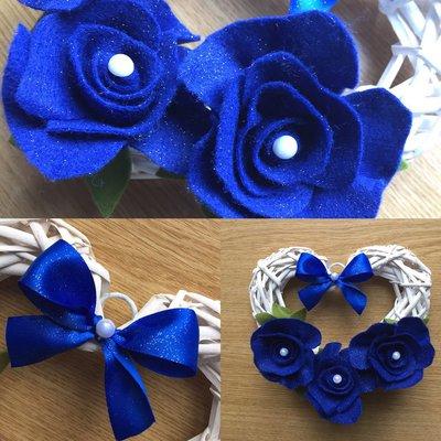 Cuoricino con rose blu