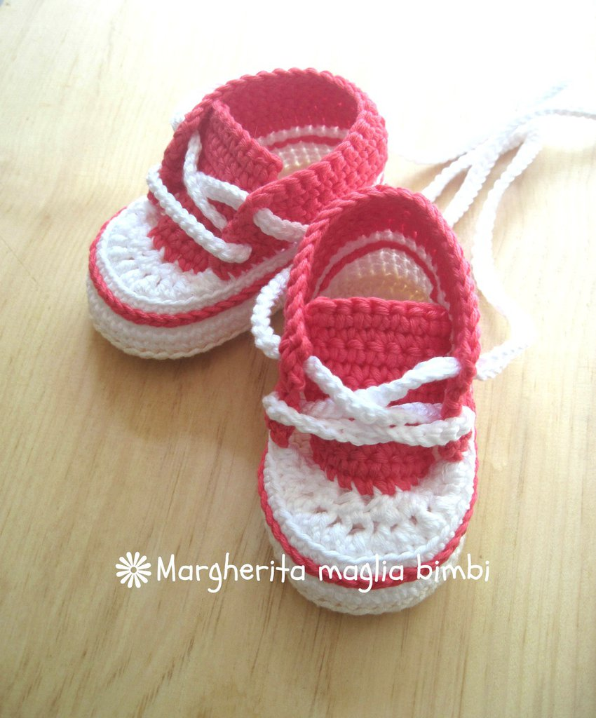 Scarpine/sneakers neonata/bambina cotone corallo/bianco/panna fatte a mano - uncinetto