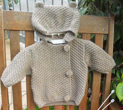 Giacca con cappuccio 100% lana con pon pon e orecchie