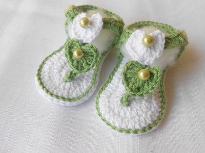 Sandali infradito da bambina in cotone con cuori bianco verde , idea regalo.