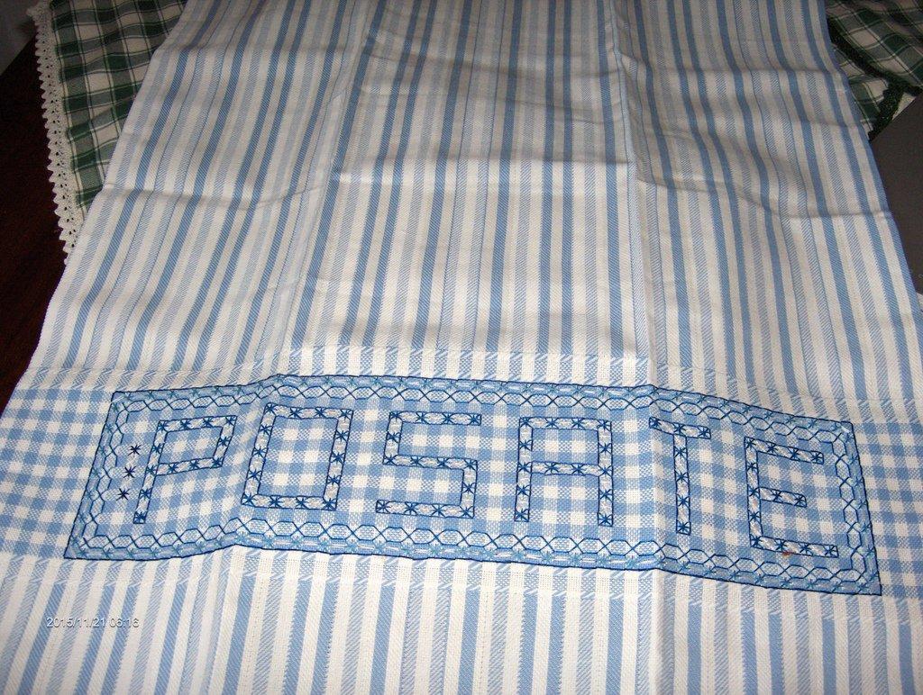 Strofinaccio di puro cotone nelle tonalità dell'azzurro, per abbellire la tua cucina