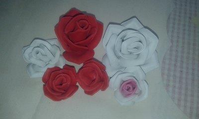 Rose piccole in gomma eva