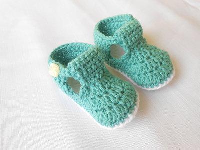 Sandali bebè fatti a mano in cotone bianco verde, idea regalo.