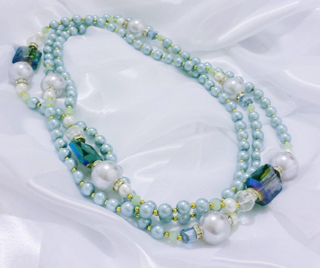 """Collana lunga in perle e cristalli """"Azzurro capriccioso"""""""