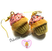 Orecchini cupcake con glassa alle fragole e codette colorate - muffin - kawaii handmade