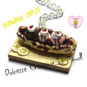 Collana Vassoio Con Banana Split - kawaii handmade, gelato, cioccolato, panna, ciliegie