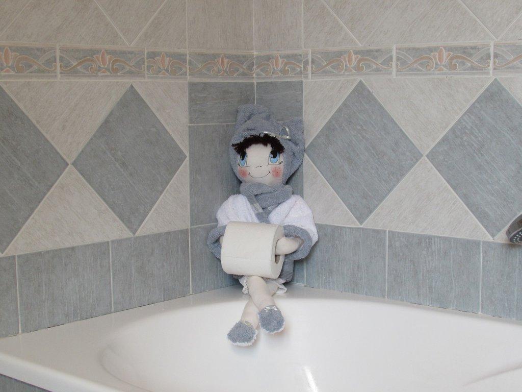 Bambola porta rotolo carta igienica per bagno per la casa e per t su misshobby - Porta carta igienica design ...
