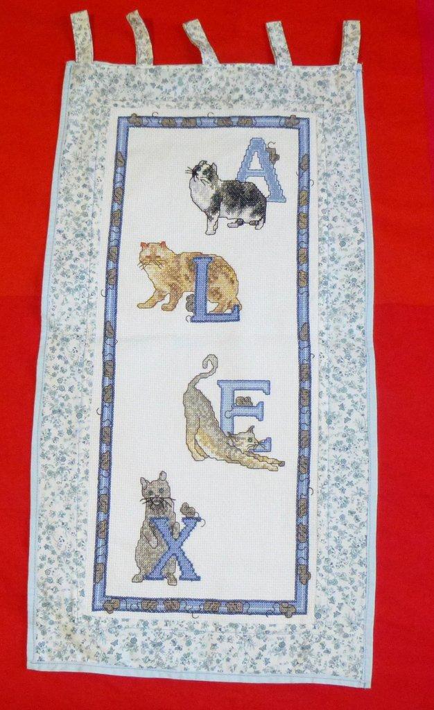 Banner ricamato a punto croce con nome ALEX