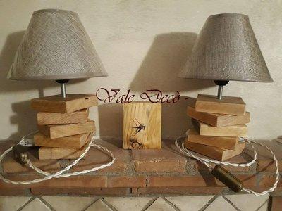 Coppia di lampade da tavolo in legno realizzate a mano per la cas su misshobby - Lampade da tavolo in legno ...