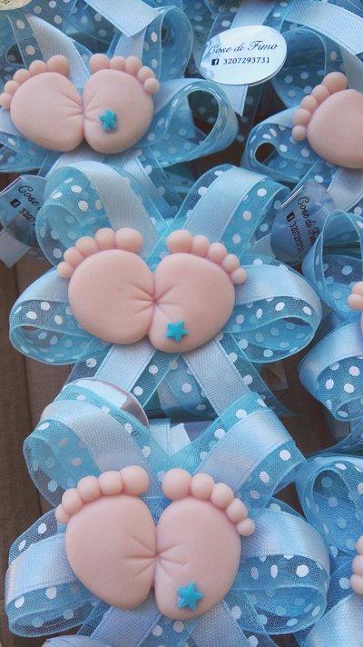 Bomboniera nascita battesimo scatolina con piedini magnete in fimo