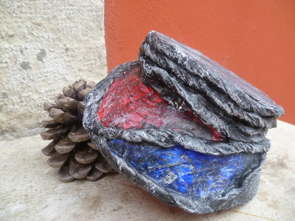 ciotola,creata col riciclo carta,svuotatasche,cestino
