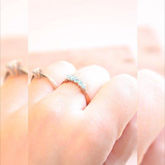 Anello di Barrette di rame e cristalli blu