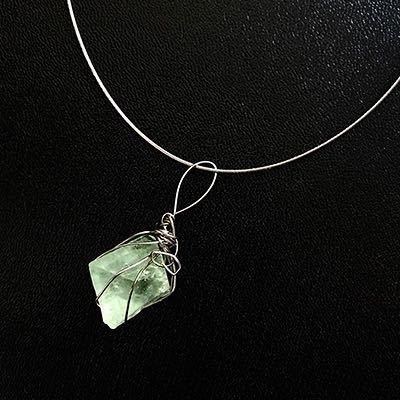 Ciondolo in fluorite cubica verde