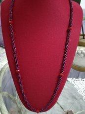 Collana blu e rossa