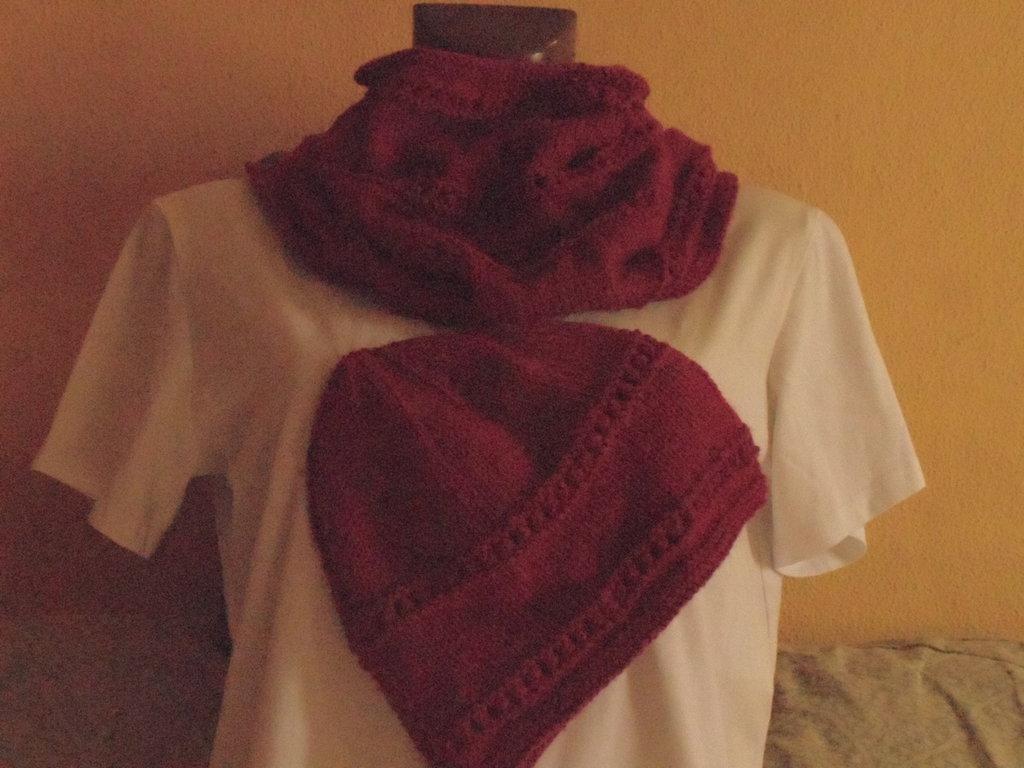 Scaldacollo e berretto lana