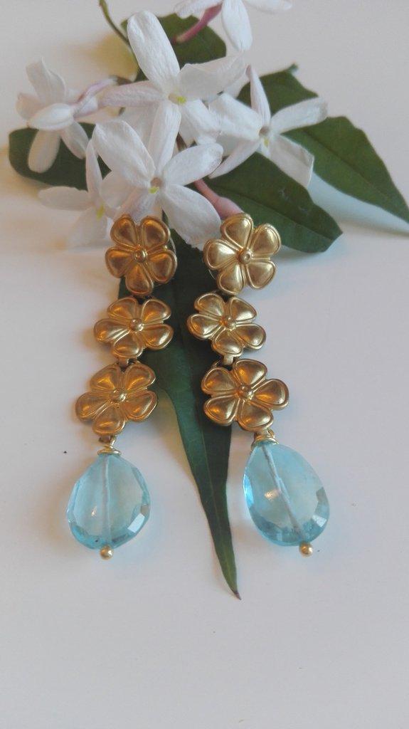 Orecchini pendenti oro con topazi azzurri