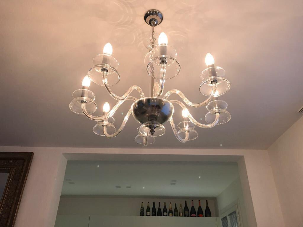 Lampadario color cristallo trasparente, disponibile con vari numeri di luci, in vetro soffiato di Murano