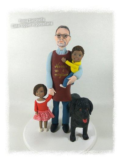Cake topper in porcellana  nonno e nipoti