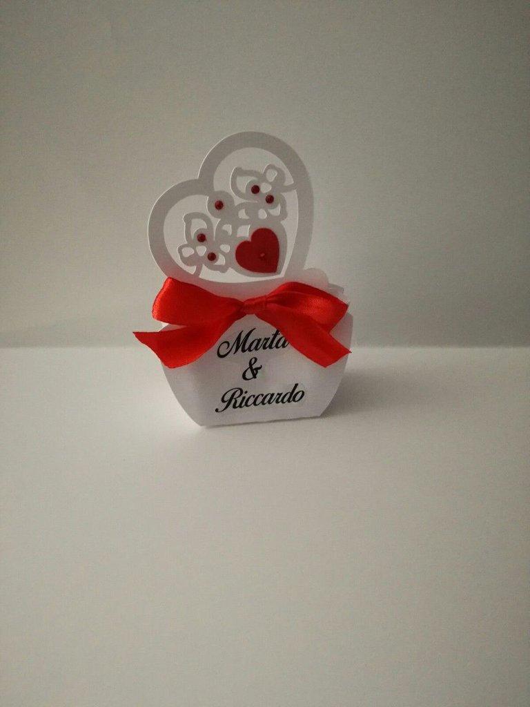 Scatola bomboniera porta confetti matrimonio nozze cuore nomi data