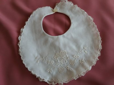 Bavetta   ( bavaglino)  per la pappa